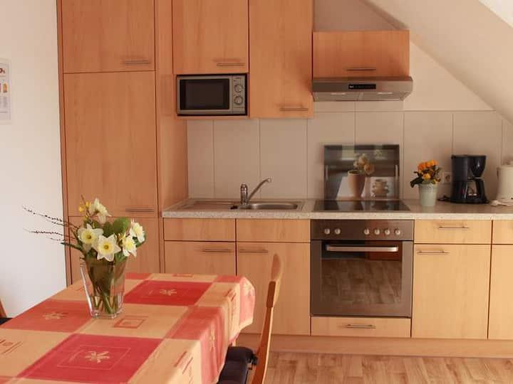 Ferien- und Obsthof Dillmann, (Langenargen am Bodensee), Ferienwohnung A, 54qm, 2 Schlafzimmer, max. 4 Personen