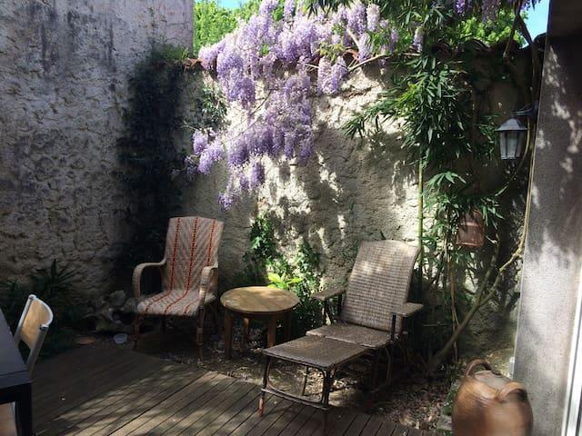 Duplex 28m2 avec jardin  centre ville La Rochelle