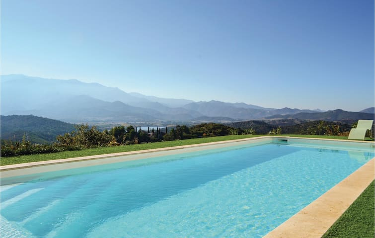 Holiday cottage with 4 bedrooms on 172 m² in Oletta