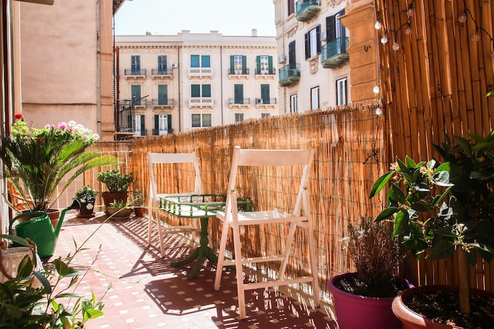 Cosy Vintage Apartment in Historical Center!
