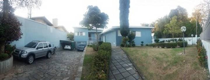 Aluguel quarto próximo à UFMG - Jardins Henriqueta
