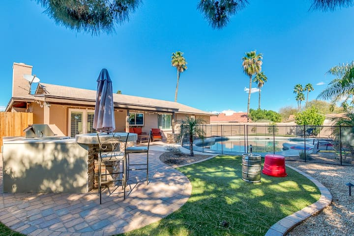 Resort Style Backyard & Pool in Scottsdale