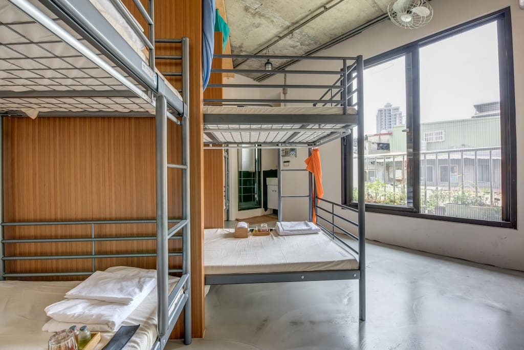 taipei hostel near Ximending and Taipei train station with great design