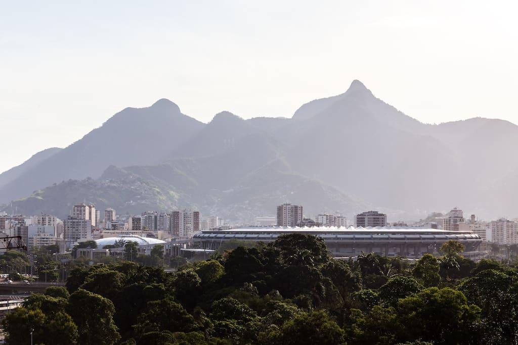 Cobertura do prédio. Vista do Estádio Maracanã a apenas 900m.