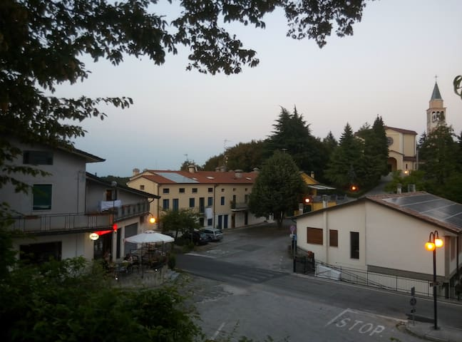 Panoramic apartment on hills - San Gottardo - Daire