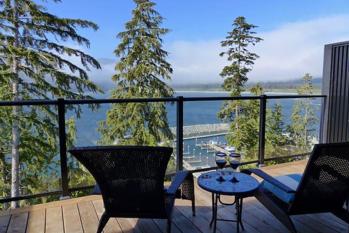 Chinook Cottage - Pristine Ocean Views