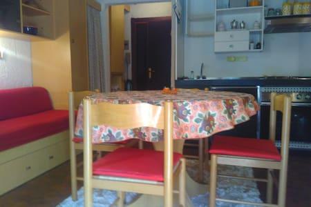 Appartamento di lusso 4 posti letto angolo cottura - Viola - Flat