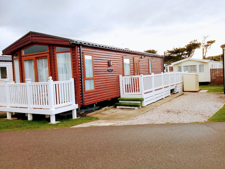 Ocean Lodge, Barmouth Bay, open to Welsh residents
