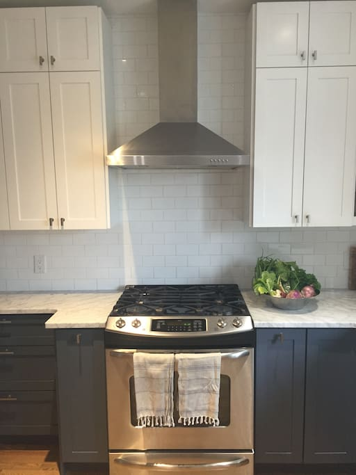Gas (propane) range and oven. Kitchen is fully equipped.