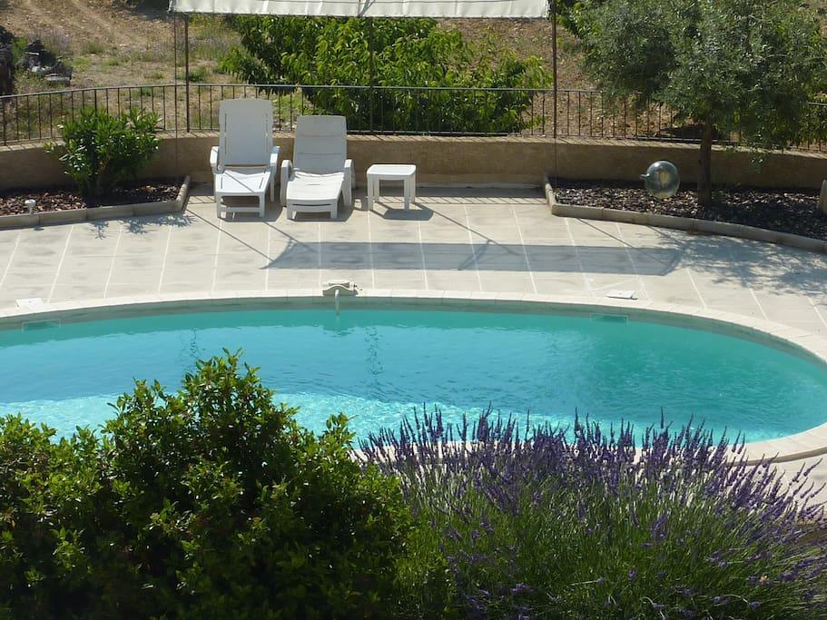 Chambre d 39 hotes avec piscine a st saturnin les apt bed for Chambre d hotes avec piscine