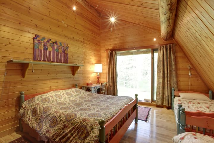 Aspen Bedroom (2)