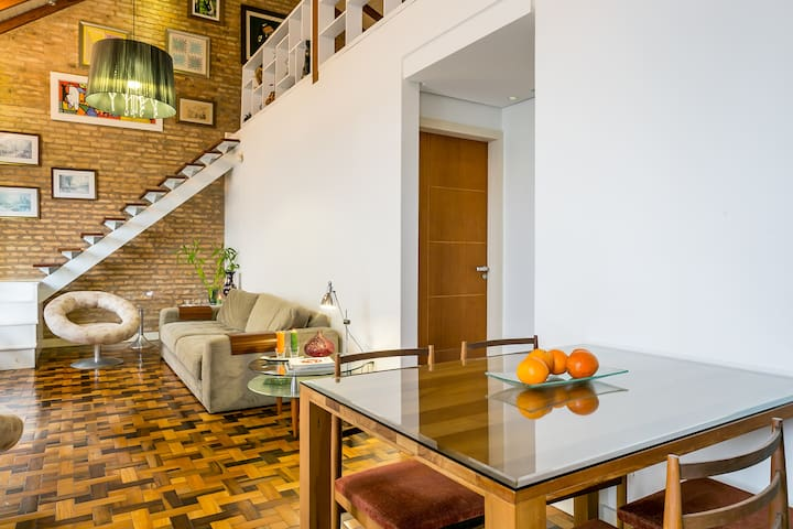 Casa Centro, 3 qtos, 1 quadra Av. Beira Mar Norte