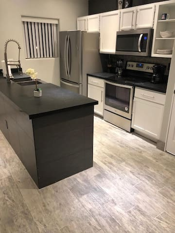 Modern, newly renovated townhome