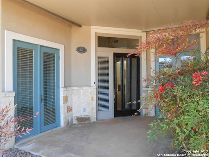 Hill Country Getaway /close to SeaWorld & Lackland