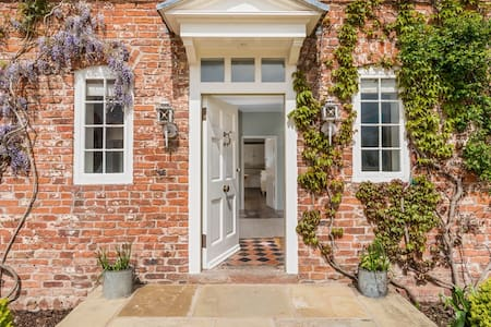 Luxury King size Room with ensuite bath - Cheshire West and Chester - Ev