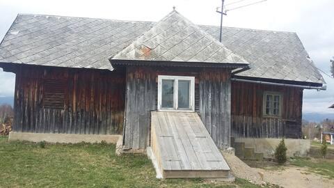The Little Mountain House