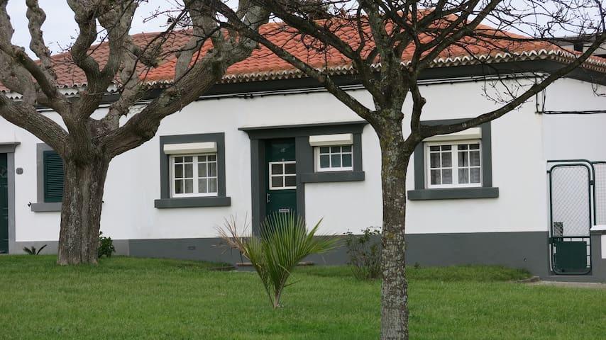vivenda na cidade - Ponta Delgada - House