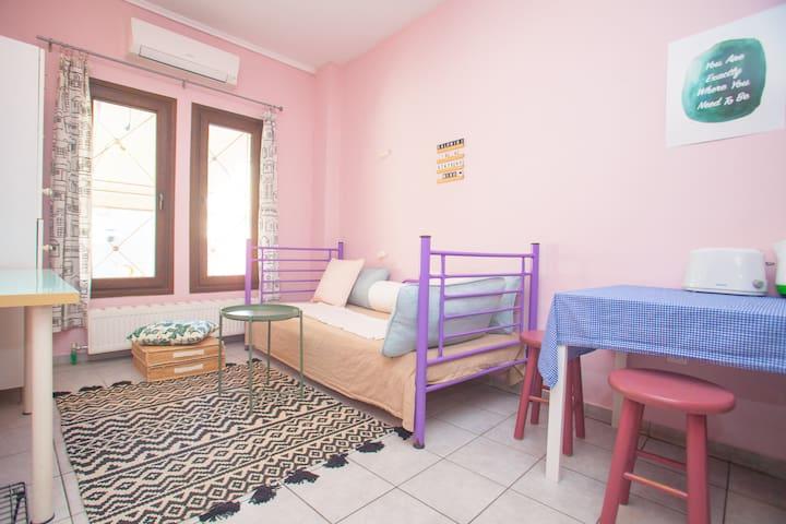 Bright Double Apartment in Ano Poli, Thessaloniki