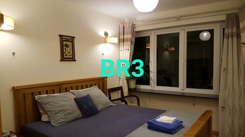 Rooms by West Lake, Room 3