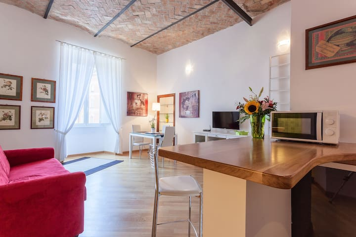 Polveriera Apartment Int. C- Next to the Colosseum