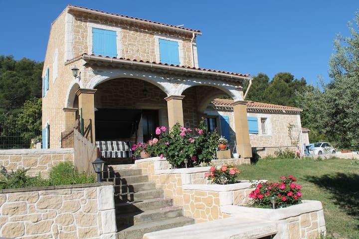 villa provençale amoureux de la nature 8 personnes - Rognes - Ev