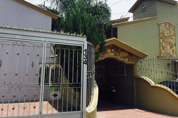 Las Casitas. Townhome complete home/casa completa