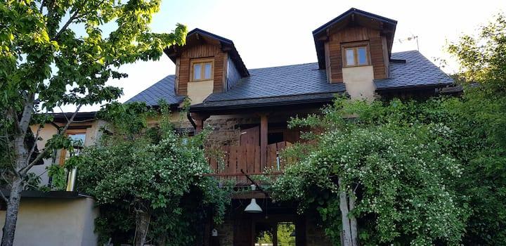 Casa Rural LA RUDA, en El Bierzo