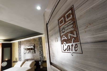 Ocean Cafe & Suite - Main square Santa Maria - 民宿