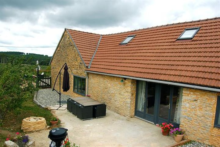 Family Friendly Stunning Barn - Peyrilles - House