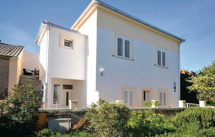 Studio apartman Vinka for 2 people - Kaštel Štafilić