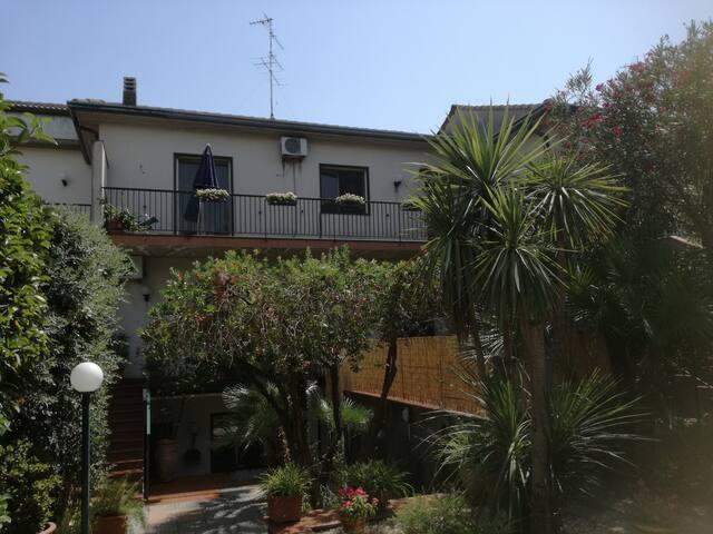 La Casa di Elio - in villa Etna e Mare
