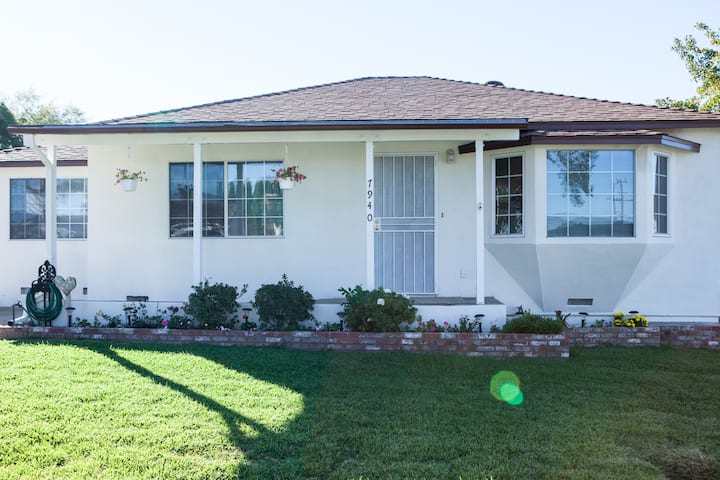 3 Bedrooms / 1 bathroom~ Single Rosemead House