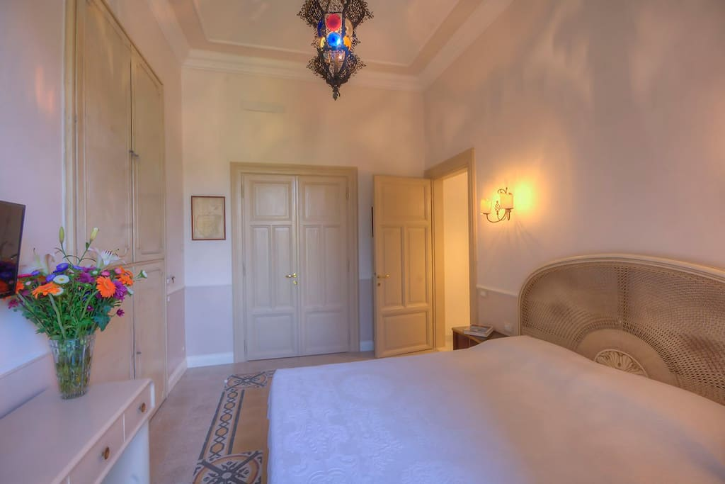 Camera doppia con balcone - Double room with balcony