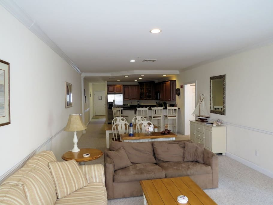 This is almost 800 sq.ft. of open concept living, dining and kitchen