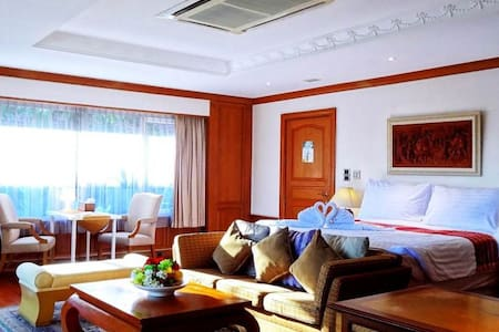 Asias Boutique Club / The Homestays R1 King Room - Pathum Thani - Boutique-Hotel