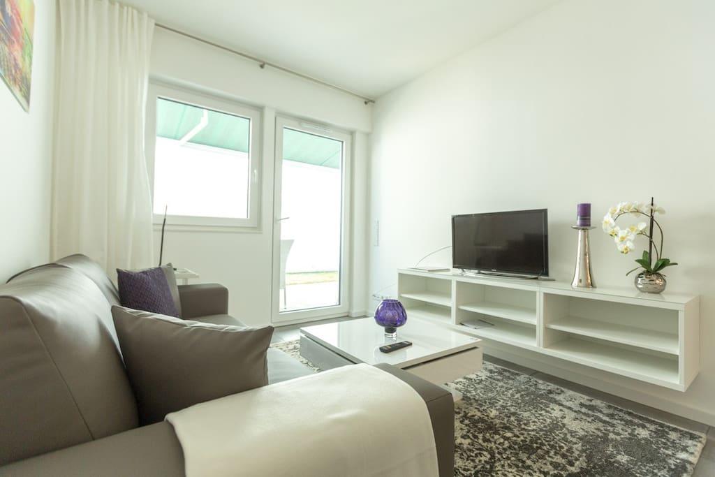 bonn 80 qm luxus wohnung 10 f r 1 4 personen w10. Black Bedroom Furniture Sets. Home Design Ideas