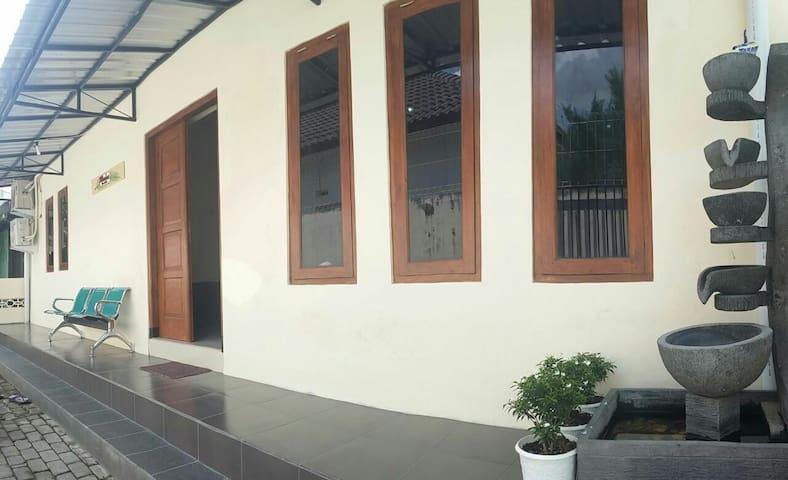 Allesha Homestay - Comfy and Spacious House