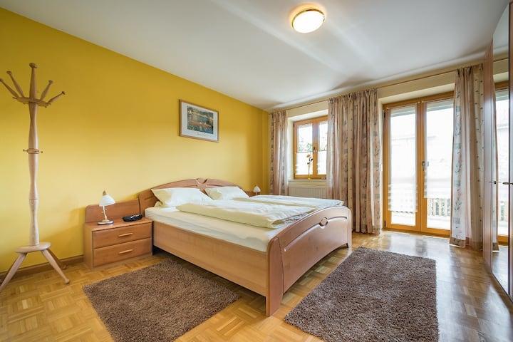 Lex Helmut (Bad Griesbach i. Rottal), Ferienwohnung 94qm mit 2 sep. Schlafzimmern