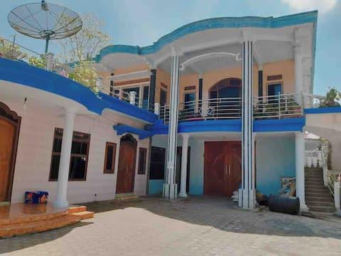WHOLE HOUSE TUMPAK SEWU With SEMERU VIEW
