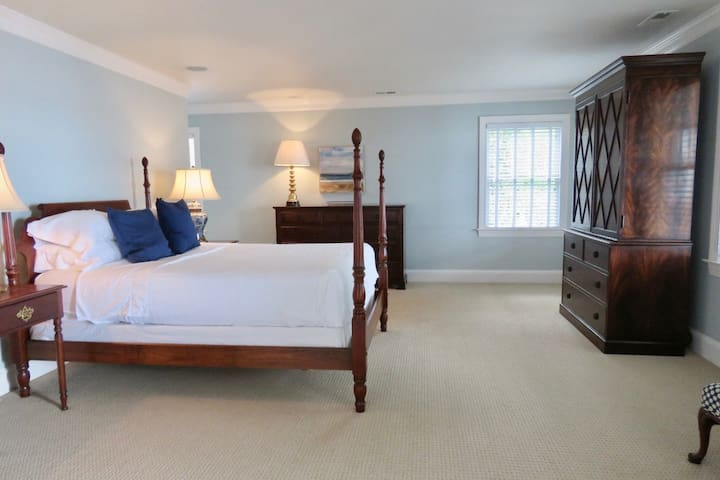 Main House Master Suite