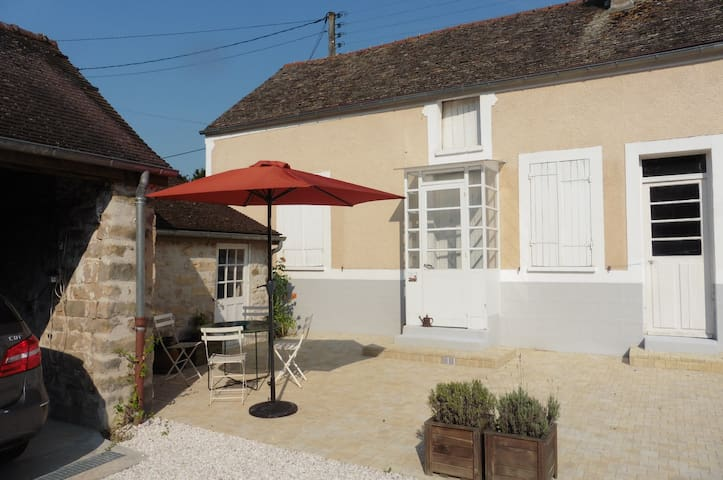 Small 2bedrooms house in Champcueil