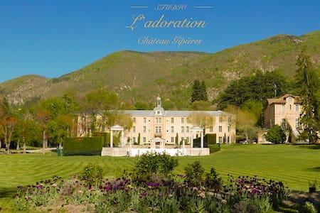 Romantische kasteelstudio bij de Mont Ventoux