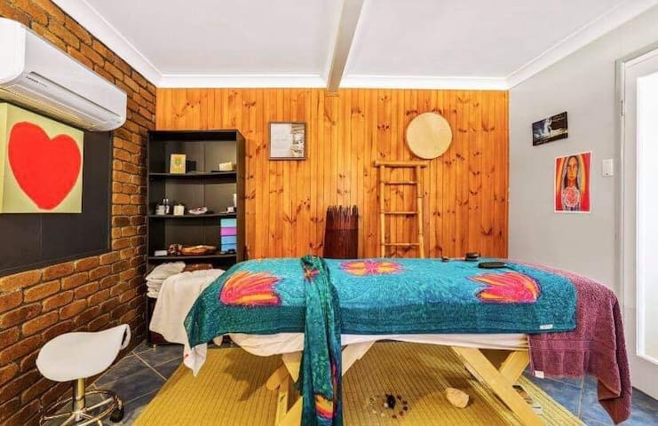 In house treatment room.  A Remedial and kahuna massage specialist hosts the property and available if you which to turn your get away into a little retreat .
