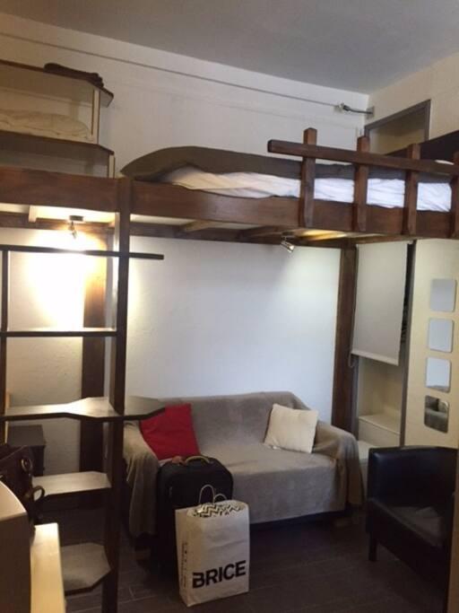 Mezzanine + Sofa bed/canapé lit