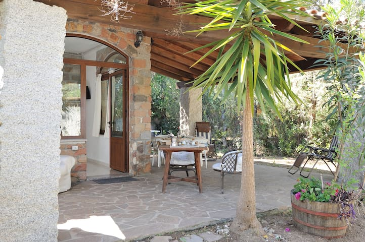 Villa in front of the beach , quiet and relax. B - Santa Maria Navarrese - Flat