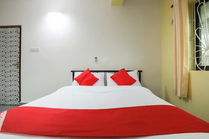 OYO Suit(4X) SMART Furnished Room in Goa