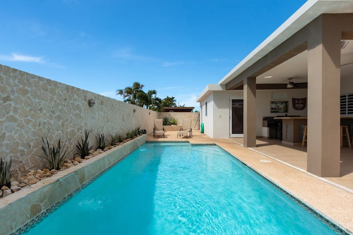 Relaxing  4BD 3BATH Group Getaway Home in Dorado