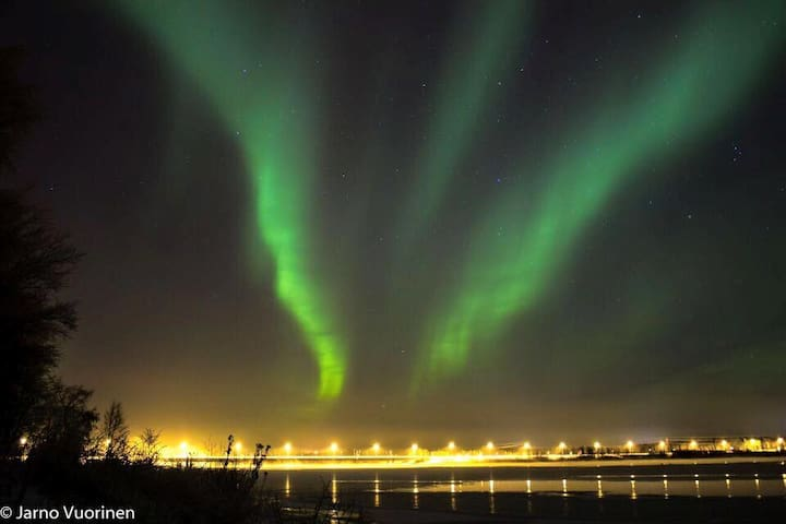 Aurora's show on the riverbank
