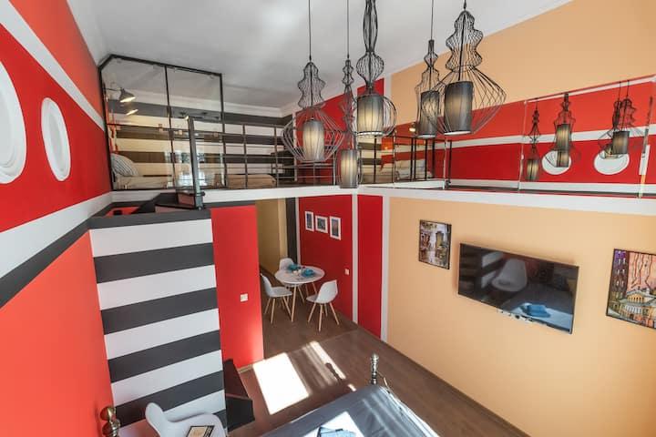 Комфортабельные двухуровневые апартаменты