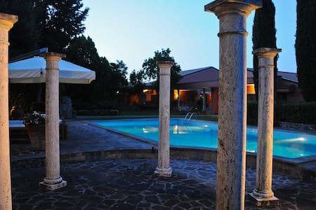 Villa in Campagna - Fiano Romano - Lejlighed